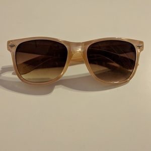 ⭐2 for $6⭐ Peach sunglasses